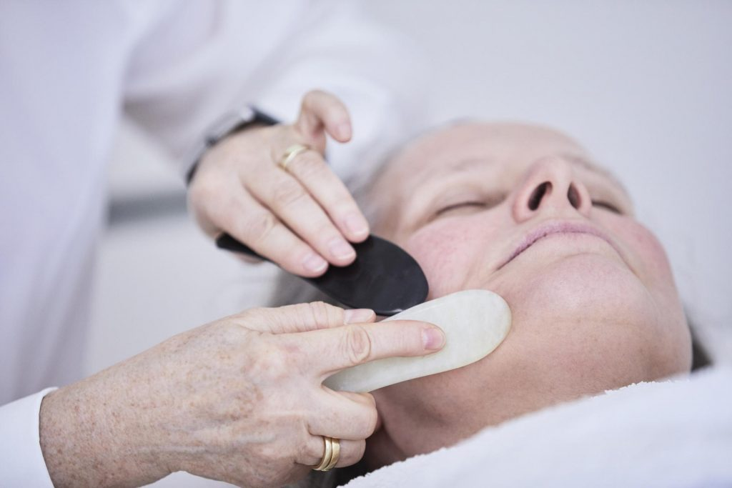 Gua-Sha- Behandlung - Ordination Dr. Url