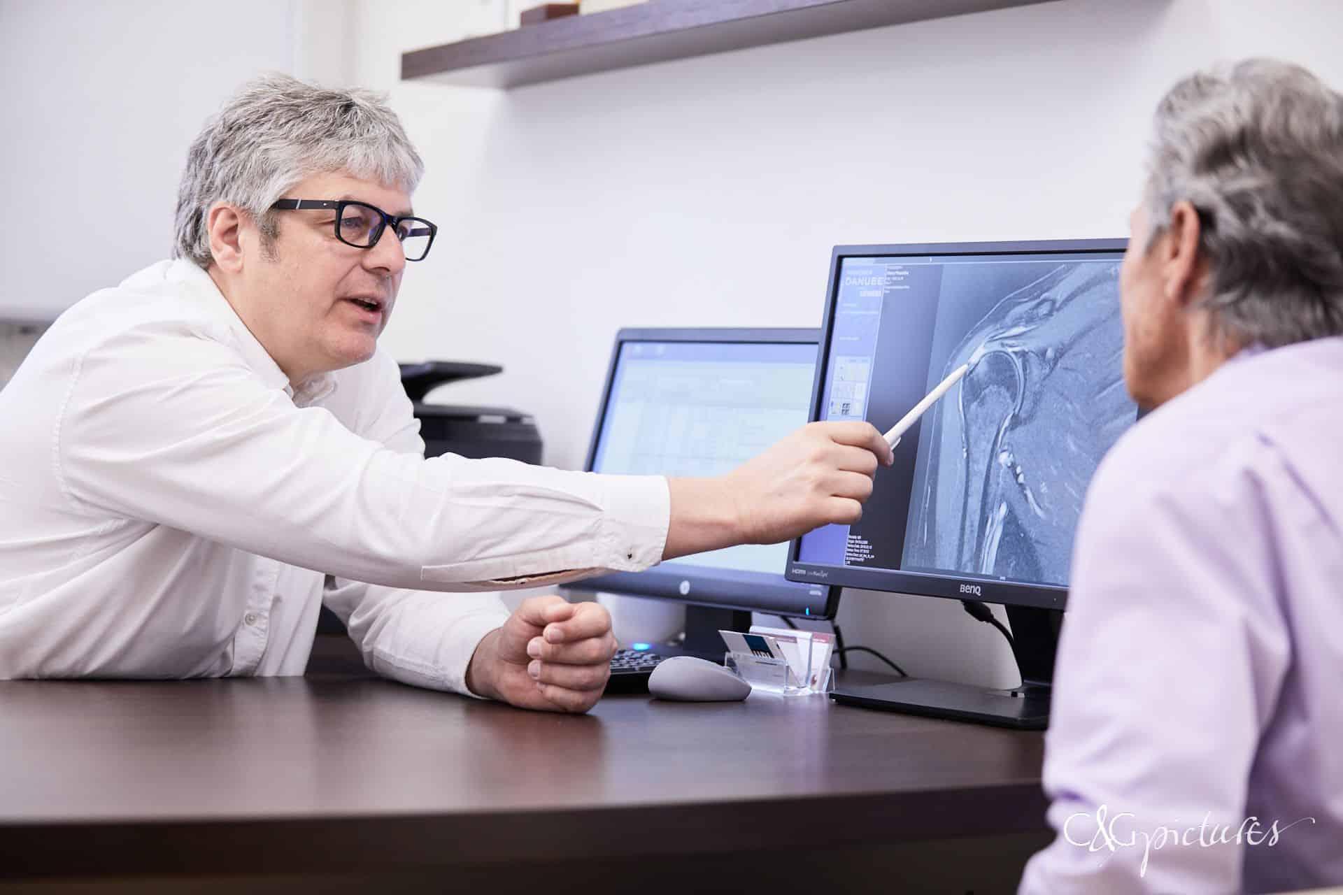 Dr. Url_operative behandlung der rotatorenmanschette mittels Fadenanker